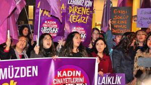 Kadınlardan şiddete karşı balonlu eylem