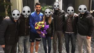 Fenerbahçeyi ziyaret ettiler yüzlerini gizlediler