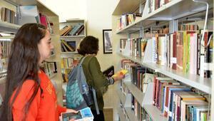 Büyükşehir kütüphanesi kitapseverleri bekliyor