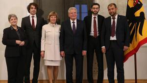 Gauck, Alternatif Nobel ödülü sahiplerini kabul etti