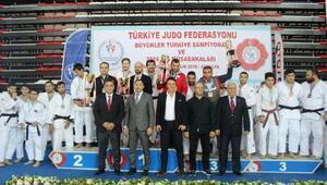Selçuklu Judoda Türkiye üçüncüsü oldu