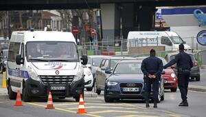 Pariste plakası tek sayıyla biten araçlar trafiğe çıkamayacak