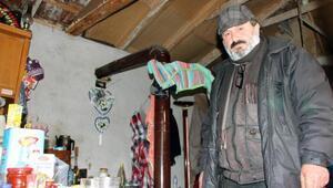 3 dil bilen ve kulübede yaşayan İbrahim Çağlayan yardım bekliyor