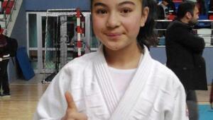 Çubuklu Hatice, judoda altını kaptı