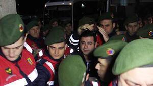 Selahattin Demirtaş gece yarısı hastaneye götürüldü