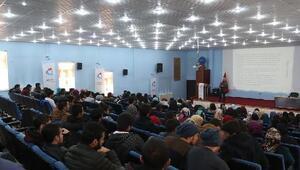 İletişim teknolojileri ve gençlik konferansı düzenlendi