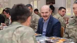 Bakan Soylu Siirtte El Baba gidecek askerlerle yemek yedi - ek fotoğraflar