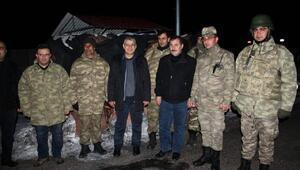Vali Alpman yeni yıla polis, asker ve korucuları ziyaret ederek girdi