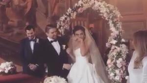 Caner Erkin, Şükran Ovalı evlendi...