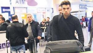Yeni transfer imza için İstanbula geldi