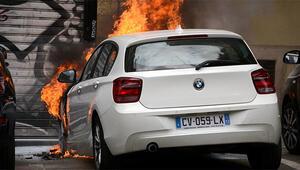 Fransa'da 1000 araç yakıldı