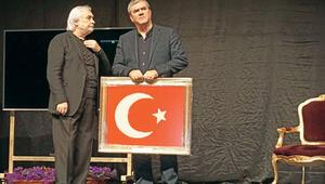1922'nin Patiska bayrağını verdi