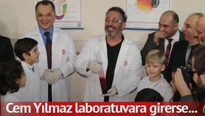 Cem Yılmaz laboratuvar açılışında güldürdü