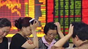 Shenzhende hisse senetleri 10 ayın en hızlı düşüşünde