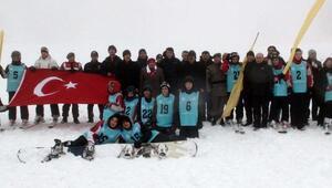 Muratdağı 2017 kayak sezonu yarışmayla açıldı