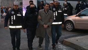 Bursada FETÖ operasyonunda gözaltına alınan 24 kişi adliyeye çıkartıldı