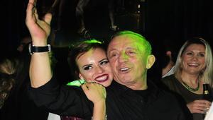 Ali Ağaoğlu sevgilisinin partisinde