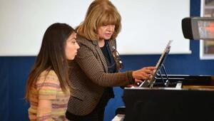 İKSEVde İdil Biret ile piyano ustalık sınıfı