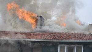 İnegöl'de korkutan çatı yangını