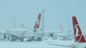 İstanbulda uçuşlara olumsuz hava engeli