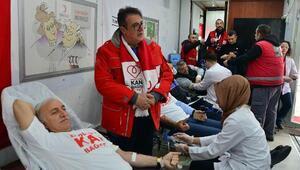 Samsun Valisi Şahin kan bağışında bulundu