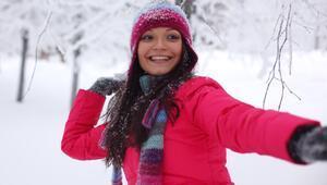 Romantik bir kış için stil rehberi