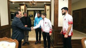 Avrupa şampiyonu sporculardan Vali Işık'a ziyaret
