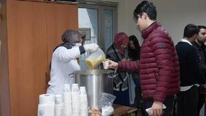 Arnavutköy Belediyesi'nden öğrencilere çorba ikramı