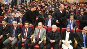 Bakan Kılıç, İzmitte Edebiyat Kampına katıldı