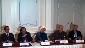 Bir haftadır temaslarda bulunan PEN heyetinden basın toplantısı