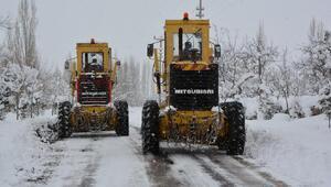 Niğdede 58 köy yolu kardan kapandı
