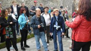 Turist rehberleri 'call center'da çalışmaya başladı