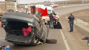 Taklalar atan otomobilden fırlayan sürücü hayatını kaybetti