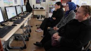 Bayraklı kütüphanelerinde online seminer