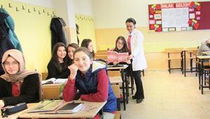Türkiye'de görev yapanlar: En genç öğretmenler