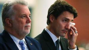 Kanada'daki cami saldırısında yaşamını yitirenler için tören düzenlendi, Başbakan Trudeau da ağladı