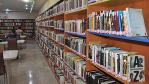 Niğdede yılda 100 bin kişi kitap okuyor