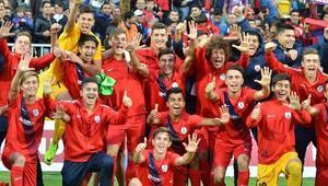 UEFA Gençlik Liginde Altınorduda Atletico Madrid heyecanı