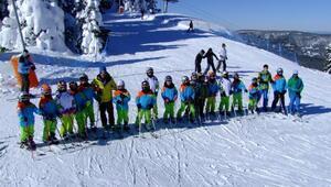 Kastamonunun Kayak Ordusu Ilgaz kampını tamamladı