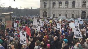 4 bin kişi başörtüsü için yürüdü