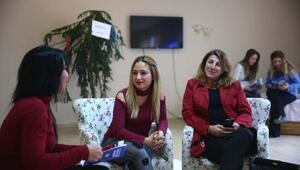 Bucalı kadınlar Anneler Kulübünde şımarıyor
