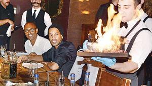 Ronaldinho: Beşiktaşa gelecektim