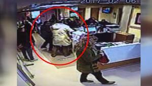 Kadın doğum kliniğinde silahlı dehşet kamerada