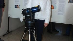 Liseli Edanur sonunda istediği teleskopa kavuştu