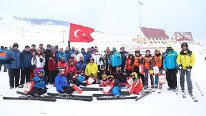 CÜ Rektörlük kayak yarışları yapıldı