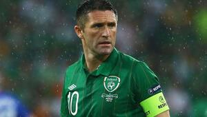 Robbie Keane Al Ahli antrenmanlarına çıkıyor