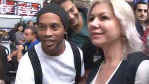 Havalimanında Ronaldinho izdihamı