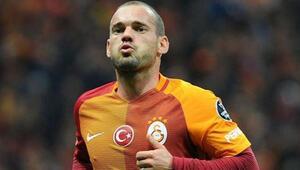 Sneijder Beşiktaş derbisinde oynayacak mı İşte cevabı...