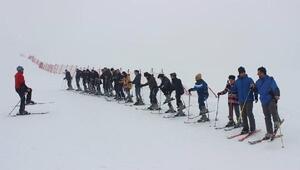 Alparslan Üniversitesinde kayak eğitimi