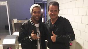 3 Adam programının bu akşam konuğu olan Ronaldinho kimdir Kaç yaşındadır